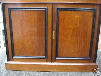 Victorian Walnut Two Door Bookcase 3
